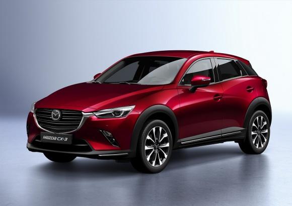 Rozpoczęcie sprzedaży Mazdy CX-3 2018 BIZNES, Motoryzacja - Mazda Motor Poland rozpoczęła przyjmowanie zamówień na Mazdę CX-3 po zmianach modelowych na 2018 r. Odnowiony konstrukcyjnie model ma poprawiony design, zawiera ulepszenia w układzie przeniesienia napędu oraz usprawnienia w zakresie ergonomii i bezpieczeństwa.